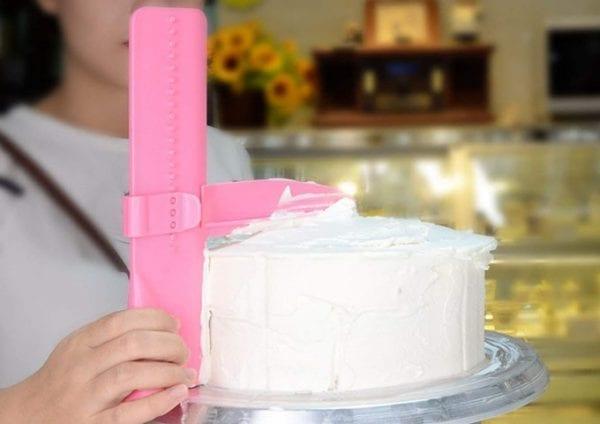 Špatula za ravnanje torti