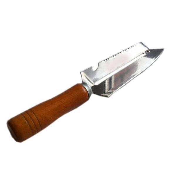 Drveni ljuštač i nož